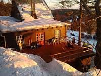 Zadní terasa pohled na Ještěd a západ slunce - chata k pronajmutí Janov nad Nisou