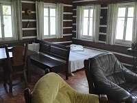 Obývací pokoj - chalupa k pronájmu Josefův Důl