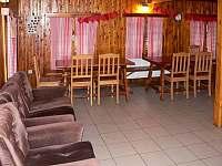 Společenská místnost - pronájem chalupy Rejdice