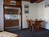 Jídelna s kuchyňkou - chalupa ubytování Vysoké nad Jizerou