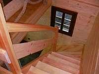 Chata, schodiště do podkroví - ubytování Fojtka