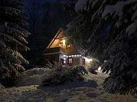 Chata, zima 2021, přední pohled, ze zahrady - k pronájmu Fojtka
