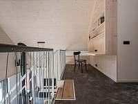 Knihovna nahoře - chata ubytování Bedřichov