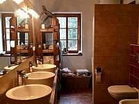 koupelna v přízemí - chalupa k pronajmutí Albrechtice v Jizerských horách