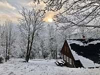 zima u chalupy - k pronájmu Albrechtice v Jizerských horách