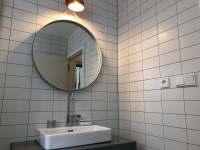 Zrcadlo od vyhlášené designerské společnosti Hay. - Bedřichov