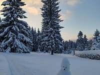 Zimní zahrada - pohled - Černá studnice - Smržovka