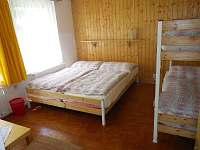 Chalupa u louky-ložnice 1