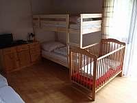 Pokoj v přízemí 1 - chata k pronájmu Albrechtice