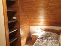 Větší pokoj v patře 4 - chata k pronájmu Albrechtice