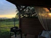 grilování na terase a výhled