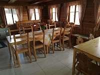 Společenská místnost - pronájem chalupy Horní Polubný