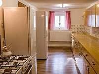 Kuchyně - chalupa k pronájmu Lučany nad Nisou