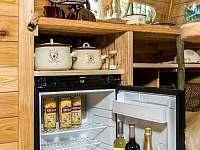 plnohodnotná lednice treehouse Emanuel - chata k pronajmutí Křižany