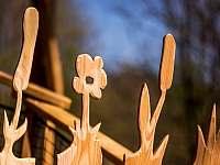 vstupní vrátka treehouse Emanuel - pronájem chaty Křižany