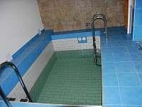 ochlazovací bazén u sauny - ubytování Tanvald