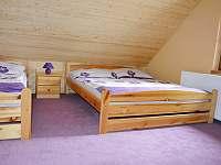 nová ložnice v růžovém apartmánu - chata k pronajmutí Hrabětice