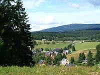 pohled ze skiareálu Severák na Hrabětice - chata k pronajmutí