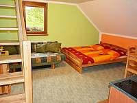 zelený apartmán s novým schodištěm - Hrabětice