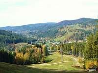 pohled ze sjezdovky na podzim - apartmán k pronájmu Albrechtice v Jizerských horách