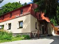 Chata k pronajmutí - okolí Karlova