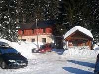 Chata Bajama v zimě - k pronajmutí Bedřichov