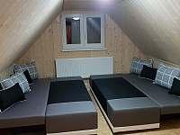 1.Ložnice (4 lůžka) - chalupa k pronájmu Dolní Maxov - Josefův Důl,