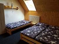 Třílůžkový pokoj (č. 6) - chalupa k pronájmu Tanvald
