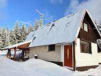 Chata v zimě - vchod