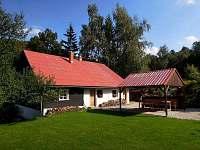 Pohled ze zahrady - chalupa ubytování Fojtka - Mníšek