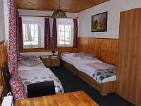 1. pokoj - 4 lůžkový - chata k pronájmu Desná