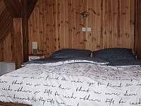 5. pokoj - dvoulůžkový - chata k pronájmu Desná