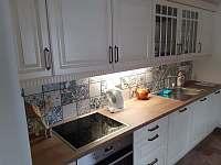 Kuchyň - chalupa k pronájmu Nová Ves nad Nisou