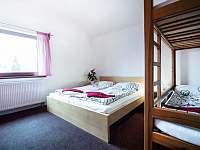 Malý apartmán - ložnice v přízemí - ubytování Zásada