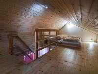 Malý dům - ložnice v podkroví - ubytování Zásada
