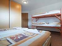 Velký dům - čtyřlůžkový pokoj - ubytování Zásada