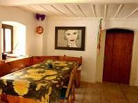 Společenská místnost s kuchyní - Horní Maxov