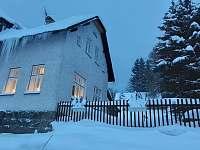 Zimní romantika 2 - chalupa ubytování Mariánská Hora