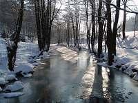 řeka Kamenice pod domem - ubytování Tanvald