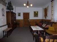 obývací pokoj - chalupa k pronájmu Dolní Maxov