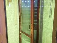 sauna se sprchou a možností osvěžení ve sněhu