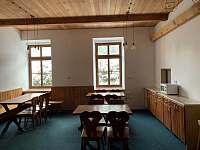 společenská místnost přední část - pronájem chaty Albrechtice v Jizerských horách
