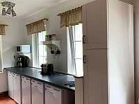 Kuchyňský kout - lednice - pronájem chaty Josefův Důl