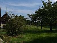pohled do zahrady - rekreační dům ubytování Pěnčín