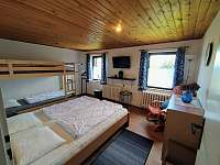 1. ložnice se 4 lůžky - pronájem chaty Bedřichov