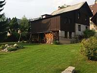 Chata Ondrášek a okolí domu - ubytování Bedřichov