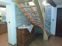 schody k ložnicím