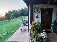 Chata Čmejrovka - venkovní gril - ubytování Janov nad Nisou