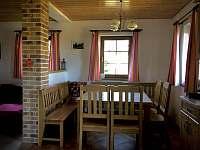 Jídelní stůl - apartmán k pronajmutí Příchovice u Kořenova