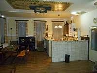Společenská místnost - chata k pronájmu Albrechtice v Jizerských horách